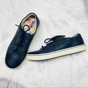 Born Tamara blue leather sneaks